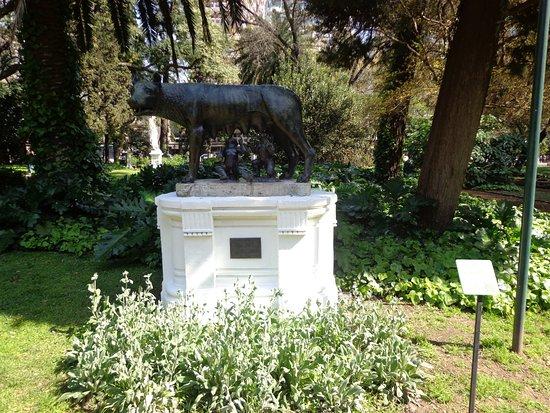 Escultura Picture Of Jardin Botanico Buenos Aires Tripadvisor - Escultura-jardin