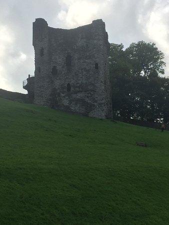 Valokuva: Peveril Castle