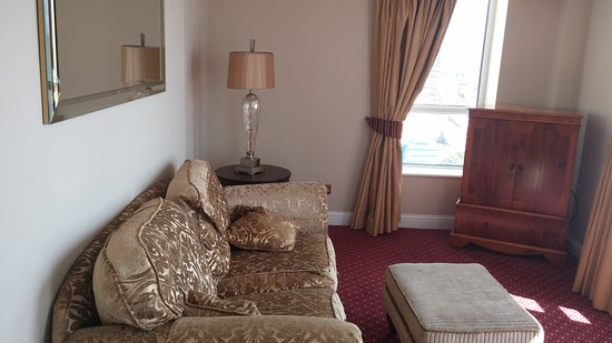 Galway Bay Hotel: Suite drawing room