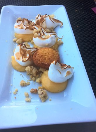 Pauillac, Frankrijk: dessert du menu tarte au citron revistée je recommande