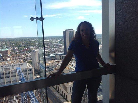 City Hall Observation Deck : Eu no City Hall; desse local podemos ter uma bela visão da cidade de Richmond.