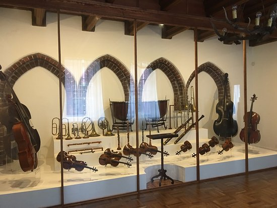 ‪Museum of Musical instruments‬