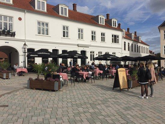 Viborg, Danmark: Super dejlig mad, var der med min kone og 2 piger, der var noget alle. Jeg kan kun anbefale andr