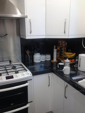 Rosevale Bed and Breakfast: Complete new kitchen October 2016