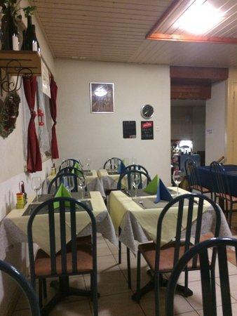 Saint-Maurice, Sveits: salle à manger avec nouveau décor samedi soir 14.10.2016