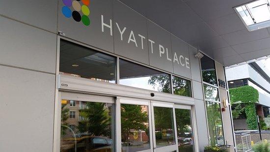 Hyatt Place Madison: The enterance.