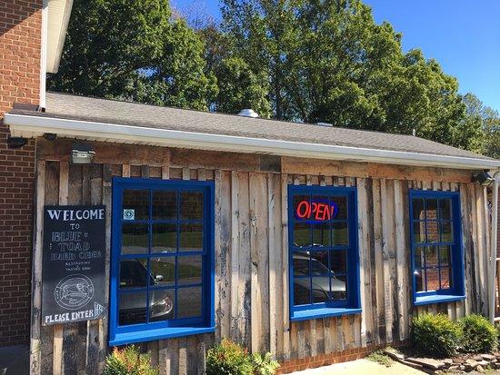 Afton, VA: Front entrance