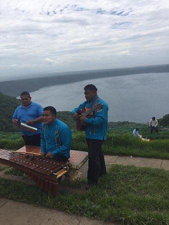 Playa Hermosa, Costa Rica: Marima band in Catarina
