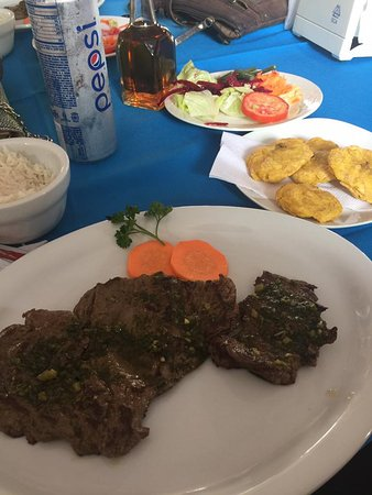Playa Hermosa, Kosta Rika: the lunch in Masaya!