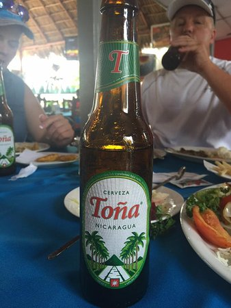 Playa Hermosa, Kosta Rika: Nicaraguan beer is a must