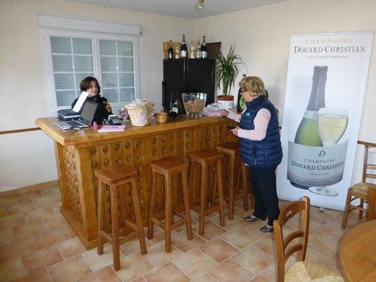 La Chapelle-Monthodon, France : Der Verkostungraum.