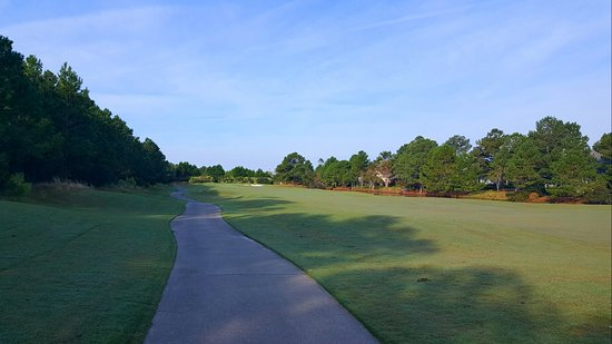 Sunset Beach, NC: Beautiful fairway at Thistle Golf Club