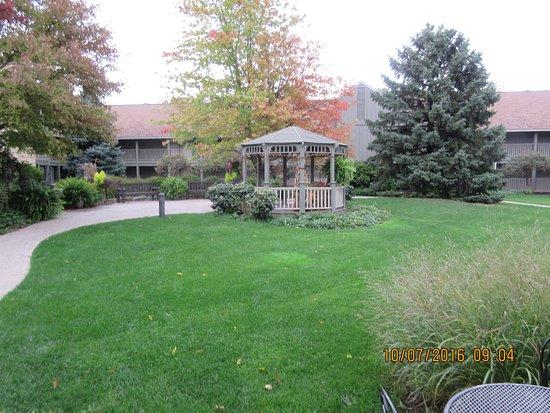 Eagle Ridge Resort & Spa: Courtyard at Eagle Ridge