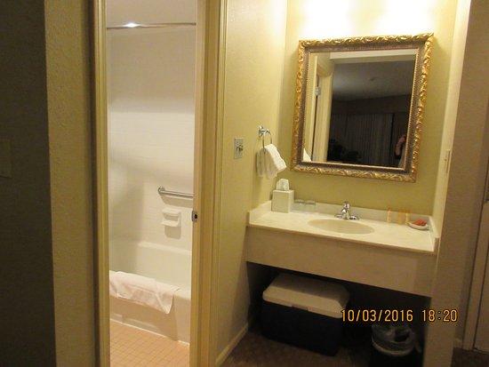 Eagle Ridge Resort & Spa: 2 Queens Courtyard room