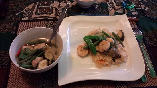 A Taste of Thailand Restaurant at Shemara Guest House : Prawn Thai Green Curry