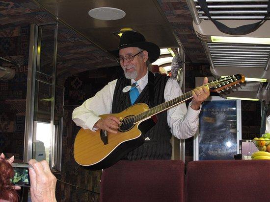 Williams, AZ: singing entertainment