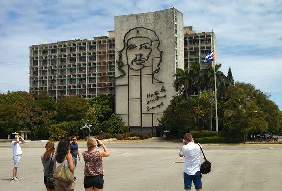Photo Touring Cuba Che Guevara Hasta La Victoria Siempre Plaza De