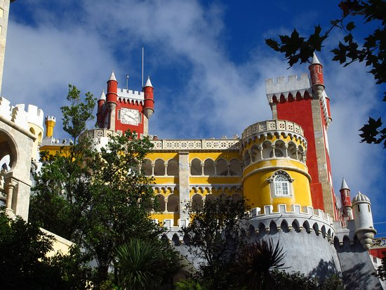 Diversity Tours: Pena Palace in Sintra