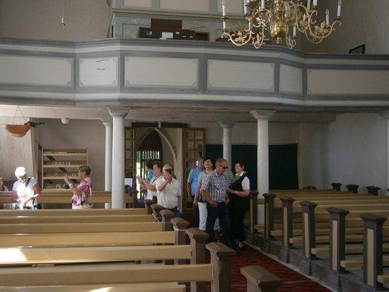Puhalepa, เอสโตเนีย: Kyrkointeriör.