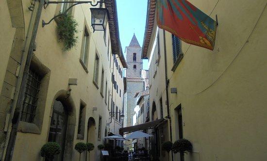 Piazza Grande: Улочки Ареццо-5