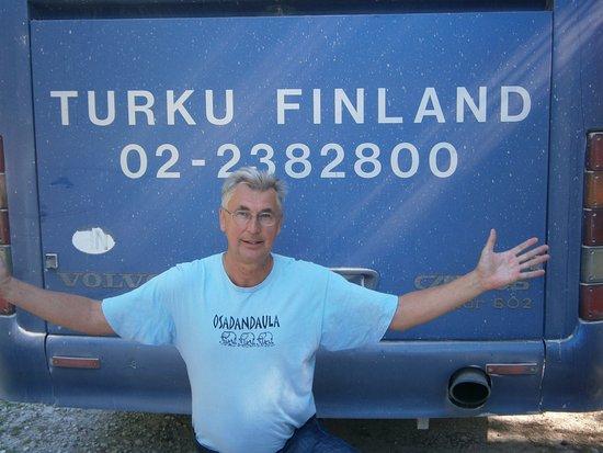 Kaina, Estonia: Guiden vid Kassari kapell.