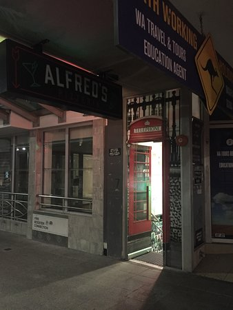 Alfred's Pizzeria & Small Bar