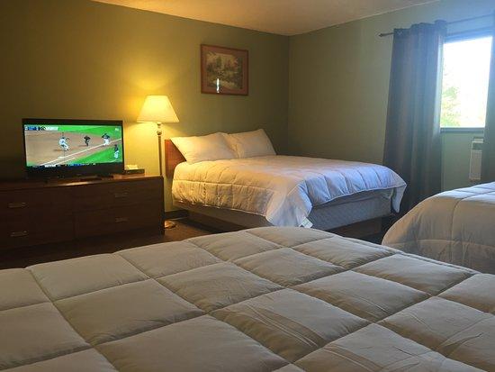 Valemount, Canada: 3 Bed Suites