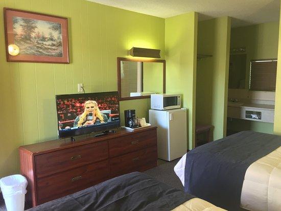Valemount, Canada: 2 Bed Suites