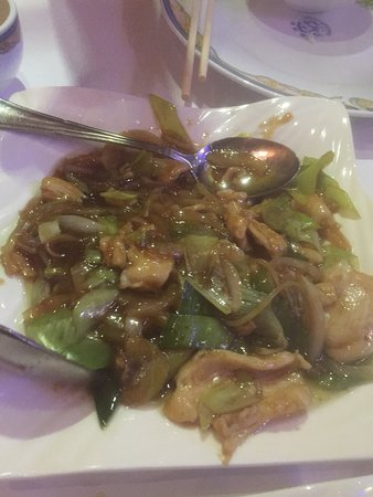 Canton Restaurant: Terrible stir fried meat and lettuce filled with grease and MSG (#no filter required)