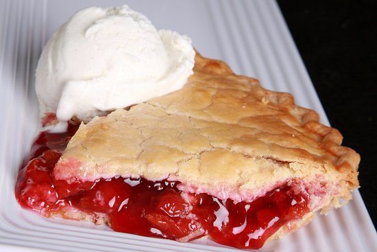 Alcester, UK: Homemade Cherry Pie