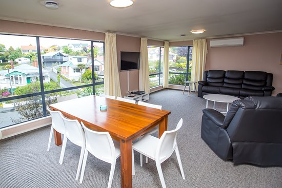 Timaru, นิวซีแลนด์: Open plan living/dining in 3 bedroom Homestead Apartment