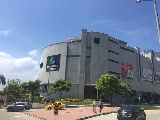 Centro Comercial Blue Gardens