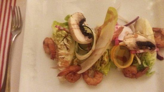 salade de sucrine avec des gambas au vinaigre de framboise