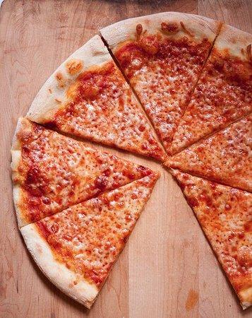 Lafayette, CA: cheese pizza