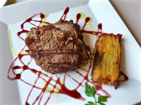 Cantallops, España: Restaurante Can Xiquet