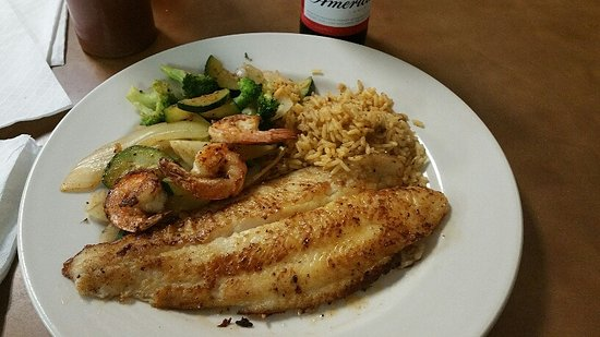 Big Spring, Teksas: Grilled Cajun Catfish and shrimp