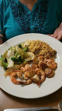 Big Spring, Teksas: Grilled Cajun Shrimp and scallops.