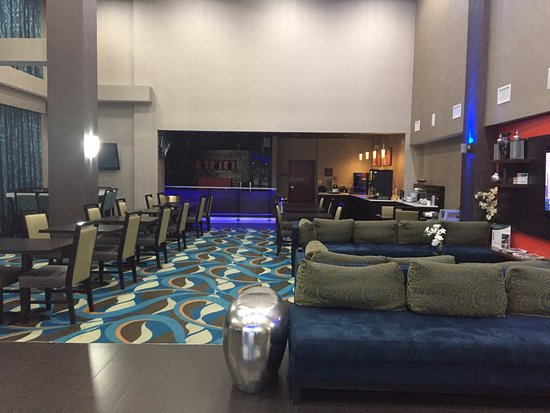 Comfort Suites Waco North: Lobby