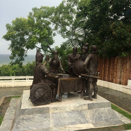 Blood Compact Monument: photo1.jpg