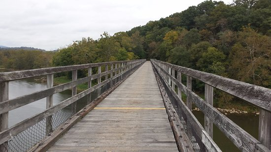 Max Meadows, VA: Trail bridge high over the New River