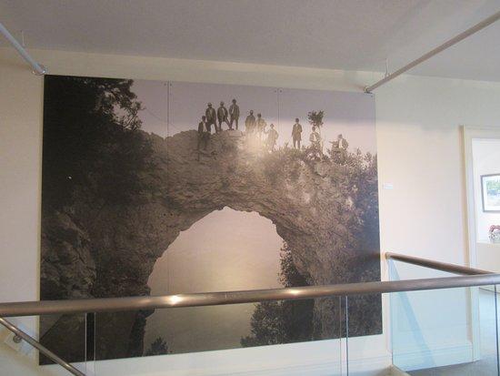 매키낵 아트 박물관(The Richard and Jane Manoogian Mackinac Art Museum)