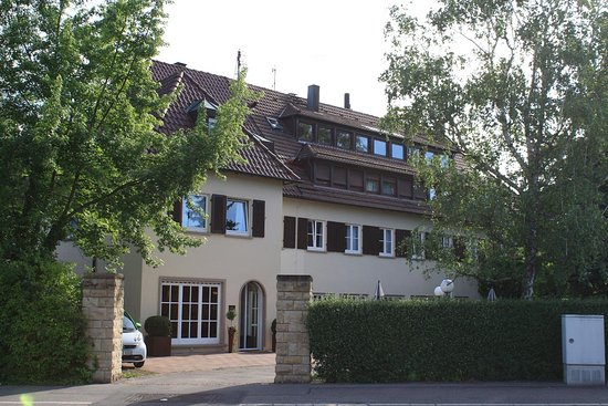 Fellbach, Alemania: Reception and front of hotel