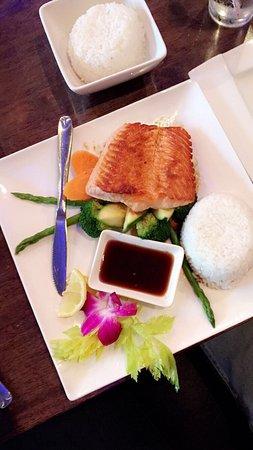 Hutong Sushi & Grill: photo1.jpg