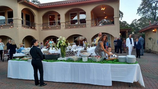 Shingle Springs, Califórnia: Lake villa rehearsal dinner
