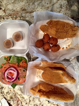 Missouri City, TX: Melanie, owner and chef, will fry fresh catfish perfectly. Fillers are large. Only a very hungry