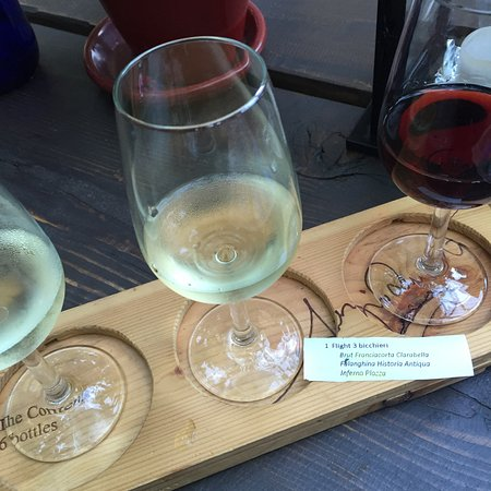 Cantina Follie: Wine flight