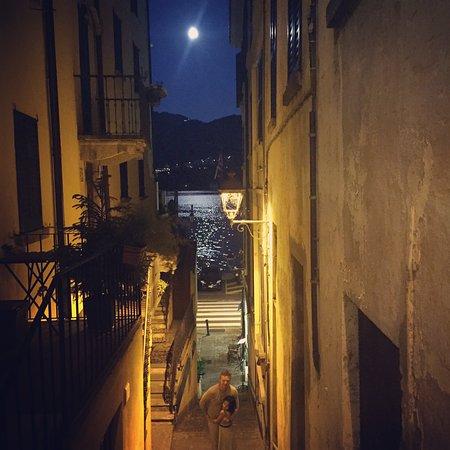 Cantina Follie: Wander up the alley to this hidden gem.