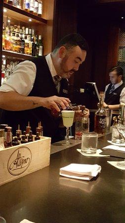 "Hy's Steakhouse & Cocktail Bar: Ryan ""Shimo"" creating artistic drinks"