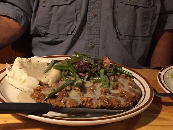 Woods Landing Resort: Chicken fried steak