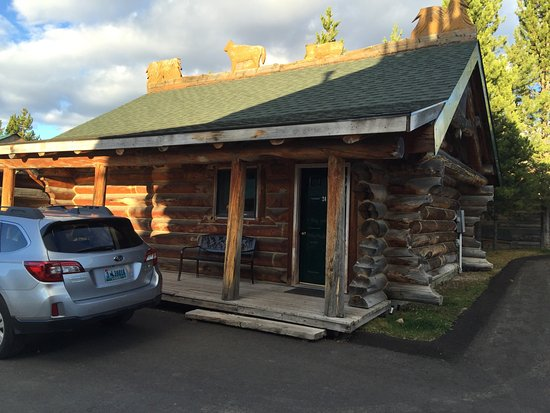 Hibernation Station: Cabin 24, parking at each cabin